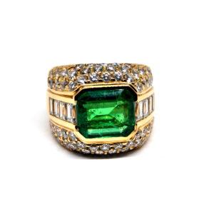 Sortija diamantes y esmeraldas